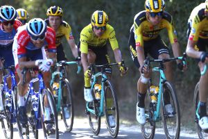 Why are Jumbo-Visma risking Wout van Aert in the sprints at the Tour de France?