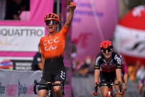 Giro Rosa 2020: Marianne Vos sprints to victory on stage five after tactical ride by CCC-Liv