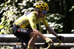 Primož Roglič happy to let bonus seconds go in Alps as tables turn at Tour de France