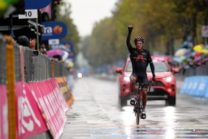 <div>Jhonatan Narvaez solos to first Grand Tour win in horrific conditions at the Giro d'Italia 2020</div>