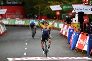 Primož Roglič powers to victory on stage one of the Vuelta a España 2020