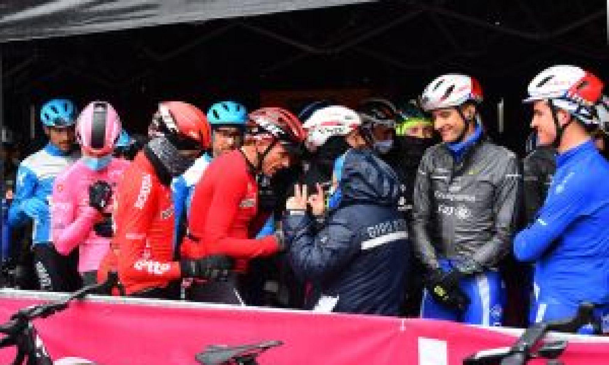 <div>Bradley Wiggins calls Giro d'Italia protest a 'shambles'</div>