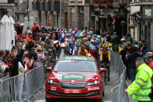 Vuelta a España 2020: Spain put into coronavirus state of emergency, but race director says 'for the time being the Vuelta will continue'