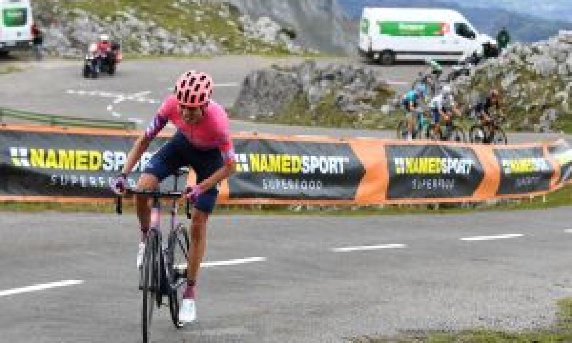 Hugh Carthy victorious atop the Angliru on stage 12 of the Vuelta a España