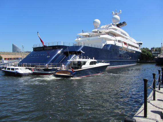London Olympics 2012 Octopus Among The First Superyachts To Arrive