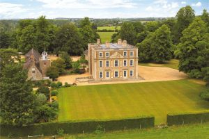 18 lovely country houses for sale, as seen in Country Life 1