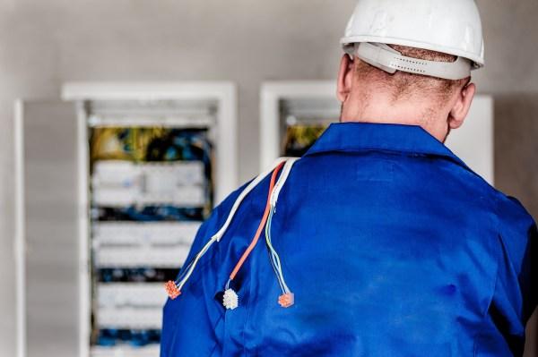 électricien gestion des demandes d'interventions