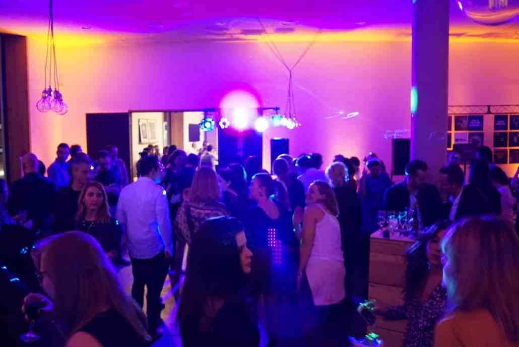 Prestation DJ à lyon pour une soirée de gala d'entreprise