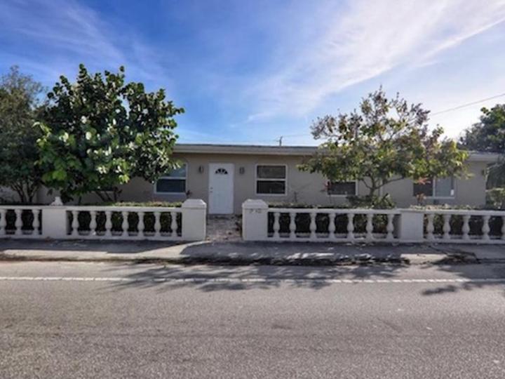 1900 NE 15th Ave, Ft Lauderdale FL 33305 wholesale property listing for sale