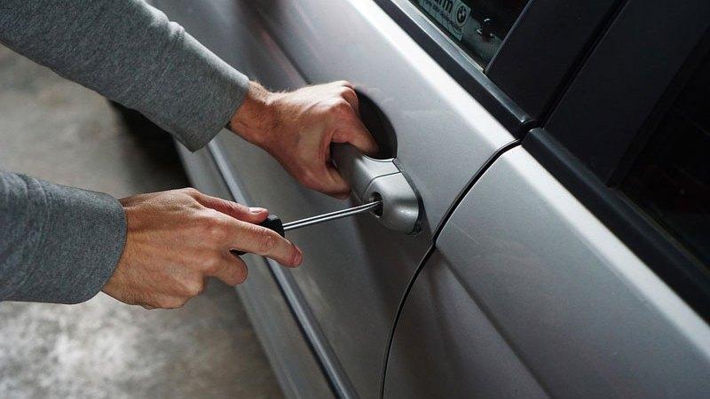 車を盗難から守る方法、鍵の進化と盗難防止手段とは