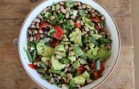 avokadolu kuru borulce salatasi