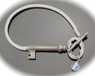 Antique Victorian Skeleton Key Brackelet on white suede with quartz $26 (SW702)