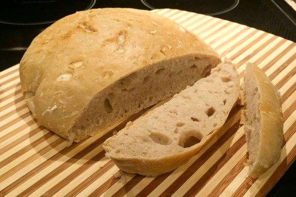 White flour no knead bread baked