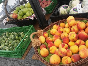 Peaches at New Smyrna Beach Farmers Market in Florida