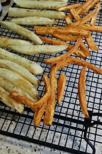 spicy sweet potato oven fries