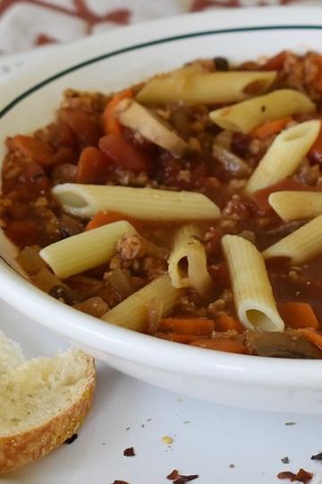 slow cooker italian tomato pasta soup