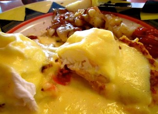 A close up of food on a plate - Eggs Benedict