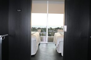 Each room at La Concha's Top Spa provides a panoramic view from one of the tallest points in Key West. Rooms overlook sunrises and sunsets from east and west, with accompanying walkways on each side of the building and a spacious viewing balcony.