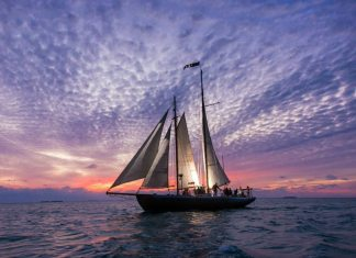 #News: Hindu sails again! - A small boat in a large body of water - Schooner Hindu, Hindu Charters LLC