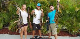Iguana hunters in action.