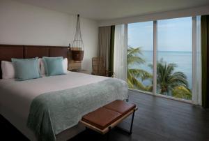 Amara Cay Rooms