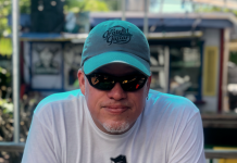 Caffeine Carl: Key West's own music man - A man wearing a hat - Sunglasses