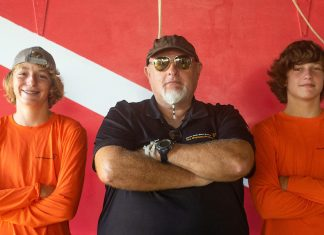Dive instructor prepares youths for success with scuba - T-shirt