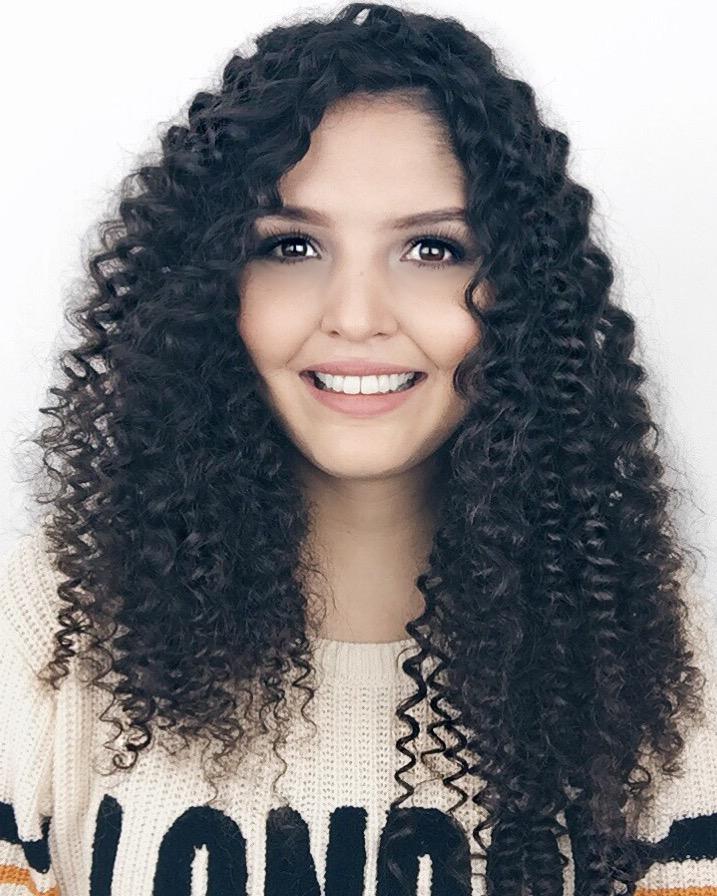 Como enrolar o cabelo com canudos