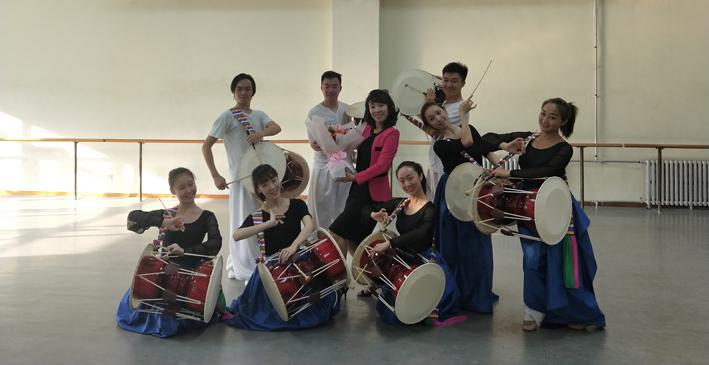 Divulgando la danza coreana.