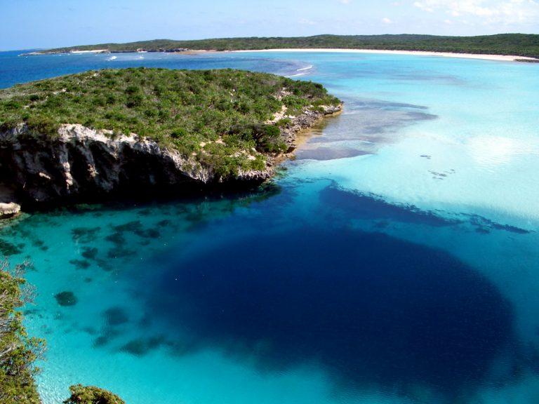 Dean's Blue Hole, Bahamas