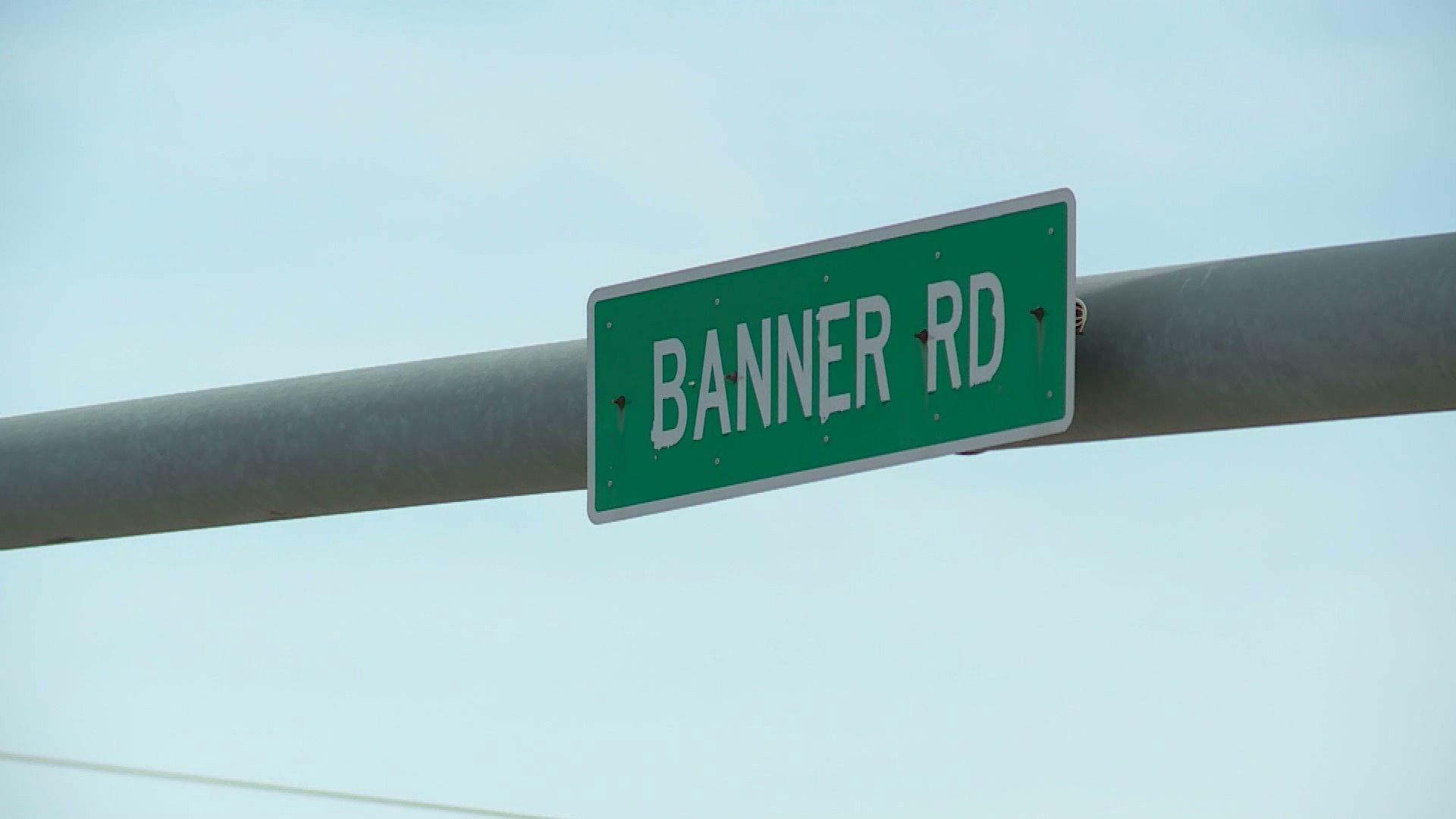 Banner Road street sign