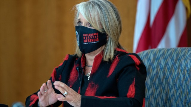 NMCOVID2Governor Michelle Lujan Grisham gives her weekly update on COVID-19 in New Mexico and the state effort to control it. The news conference was held at the Roundhouse in Santa Fe, Thursday October 1, 2020. (Eddie Moore/Albuquerque Journal)