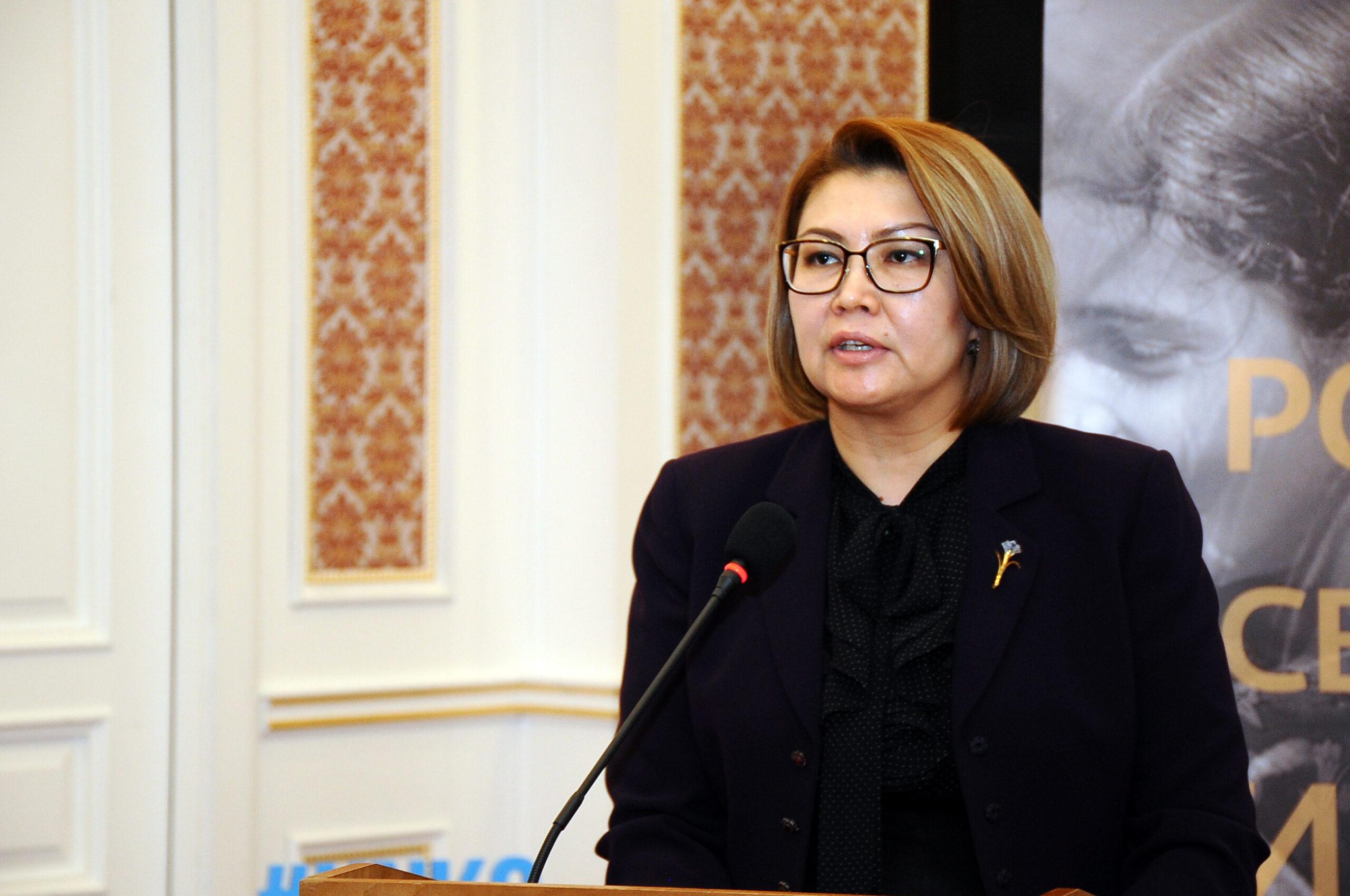 Алтынай Өмүрбекованы Кыргызстан көрсөткөн гуманитардык жардам тууралуу сурады