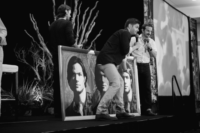 Jensen Ackles & Richard Speight Jnr auction painting of Jared Padalecki (Photo: Megan Jackson)