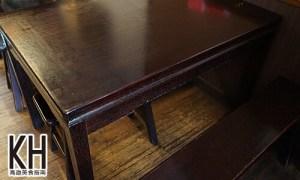 《金湯園麵食館》復古的桌子與板凳