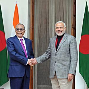 प्रधानमंत्री नरेन्द्र मोदी 19 दिसम्बर का दिने नई दिल्ली में बंगलादेश के राष्ट्रपति अब्दुल हामिद संगे.