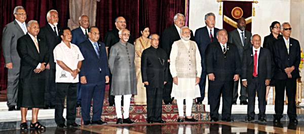 राष्ट्रपति, उपराष्ट्रपति, प्रधानमंत्री आ विदेश मंत्री प्रशांत द्वीप समूह के राष्ट्राध्यक्षन के स्वागत समारोह में.