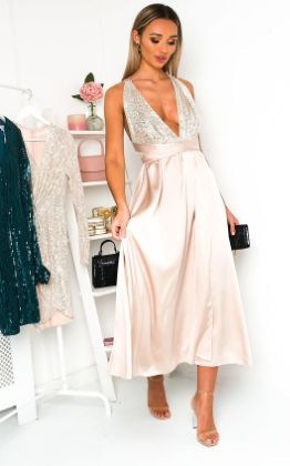 Stephanie Backless Sequin Midi Dress in Champagne