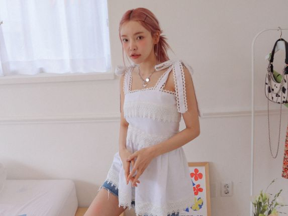 Tie Strap Lace Sleeveless Blouse