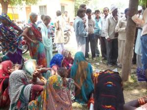 महुआ प्राथमिक स्वास्थ्य केंद्र में डिलेवरी के बाद मउत और मासूम बच्चा
