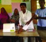 मोमबती जलबईत कार्यकर्ता