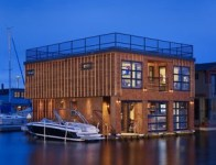 Seattle Floating Home - Mike Villiot