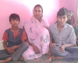 29-04-15 KShetriya Barabanki - Kisaan Family web