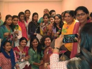 01-07-15 Mano Lucknow - Sanatkada Nir Film Fest web