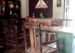 15-07-15 Kshetriya Banaras - Beniya Bagh PHC 2 - Empty Chairs web