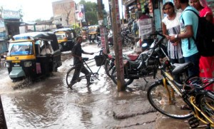 22-07-15 Mahoba - Kabrai Waterlogging web