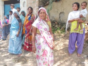 29-07-15 Mahoba Khanna - No Toilets web