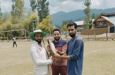 Cricket, Kashmir, fish man of the match, Fish, Tekipora, Kupwara