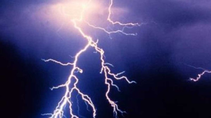 In MP, lightning killed 4 people of a family, Gopal Bhargava helped the families