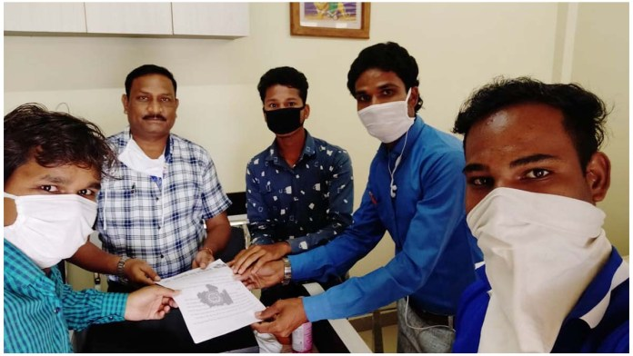 Unemployed youth association submitted memorandum for MP Police Recruitment 2020 / MP NEWS